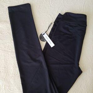 NWT Black Haute Candy Size S Leggings